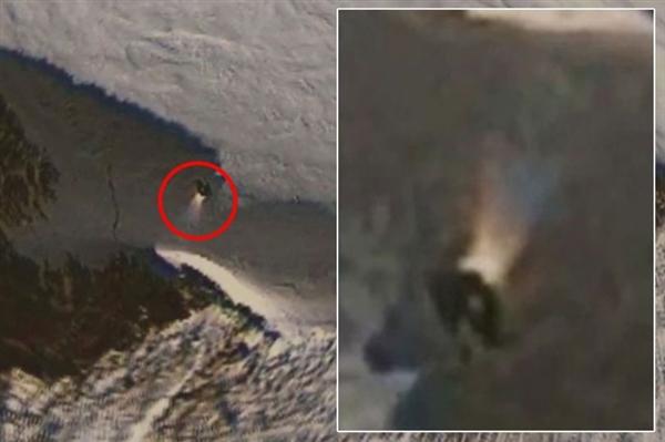 阴谋论者用谷歌地图发现南极洲的神秘物体