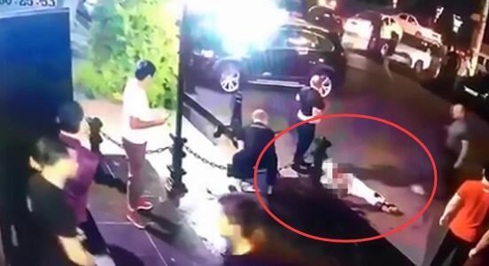 持刀闯夜店 乌兹别克斯坦MMA格斗冠军被保安捅死
